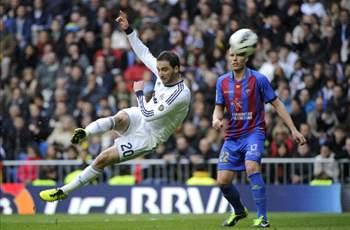 Real Madrid 5-1 Levante: Higuain stunner sparks brilliant Blancos comeback