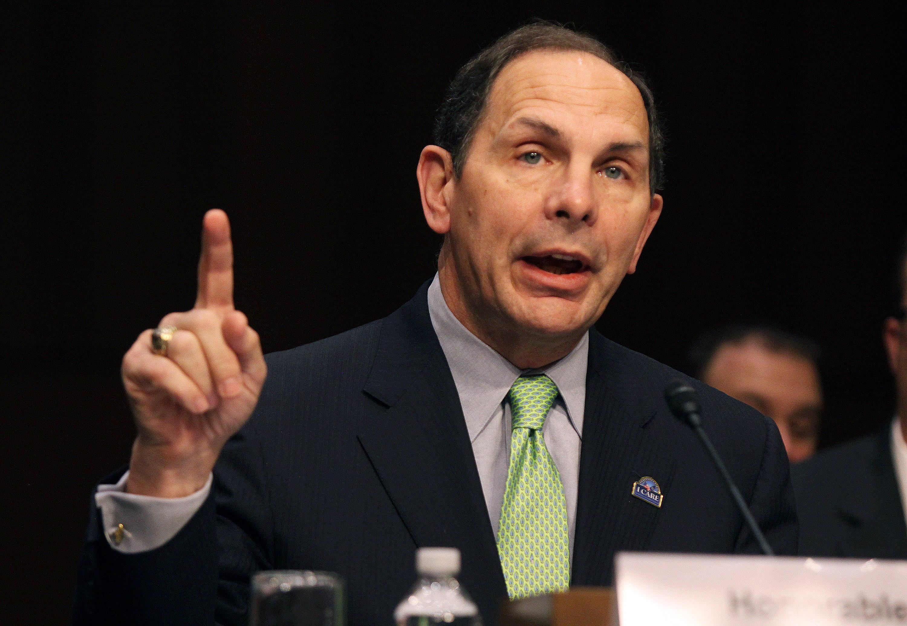 VA says it will relax 40-mile rule for private medical care