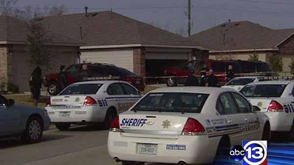 Man killed, deputy injured in west Harris Co.