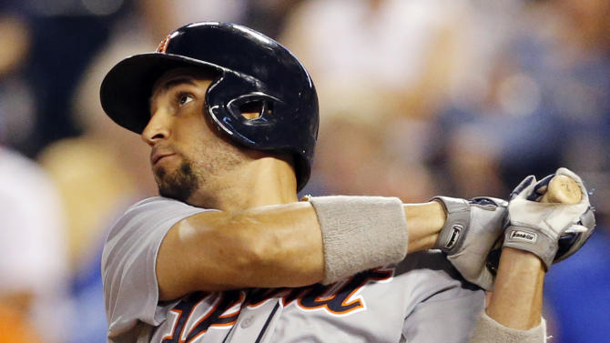 AP Source: Royals, Infante reach tentative deal