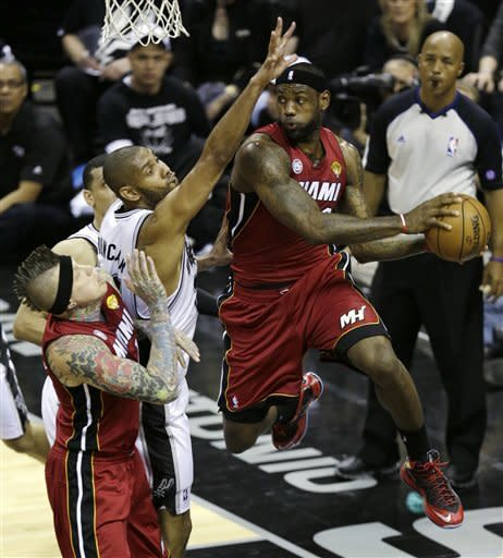 Spurs rout Heat 113-77 in Game 3 of NBA Finals