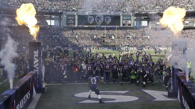Baltimore Ravens inside linebacker Ray Lewis (52) is introduced before an NFL wild card playoff football game against the Indianapolis Colts Sunday, Jan. 6, 2013, in Baltimore. (AP Photo/Pat Semansky, Pool)