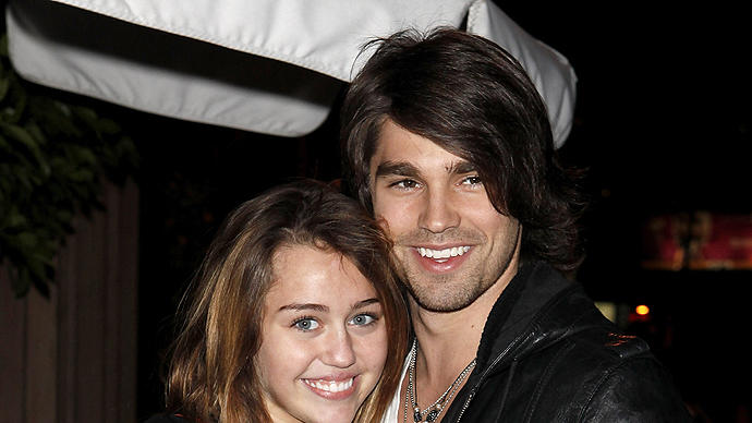 Miley Cyrus, Justin Gaston