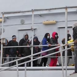 Nearly 1,000 Migrants Rescued Off Italy