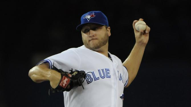 Buehrle sharp as Blue Jays beat Royals 3-2
