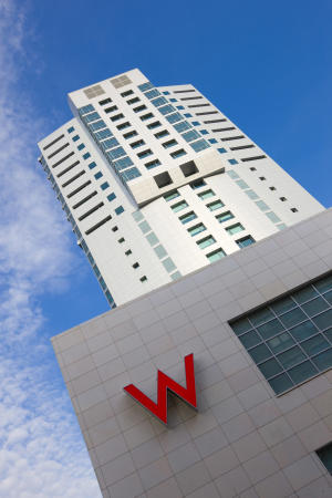 Starwood 1st-quarter profit more than quadruples