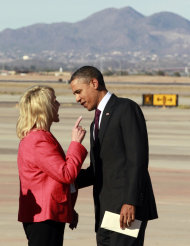 Obama e il Governatore dell'Arizona Jan Brewer