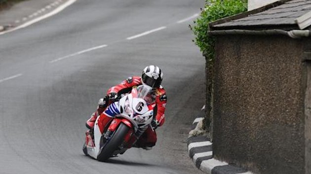 Dunlop to race Honda Legends Superbike at Ulster GP