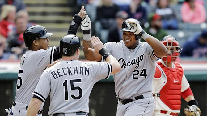 Viciedo HR in 9th lifts White Sox over Indians 4-3