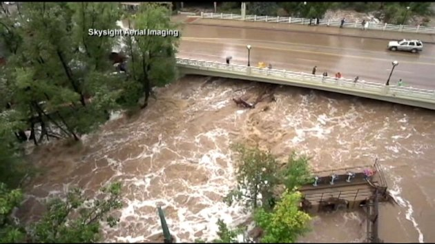 Colorado Floods: Rescuers Seek Survivors and Signs of Hope (ABC News)