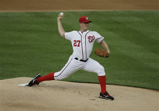 Harper homers in return, Nats rout Brewers 10-5