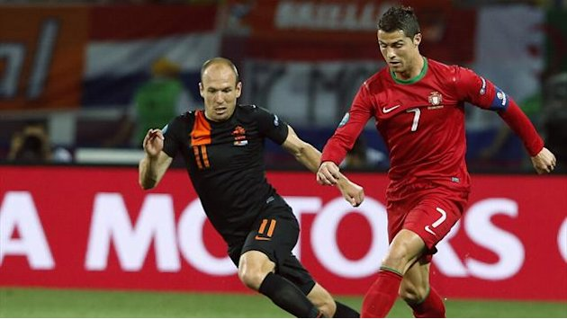 World Football - Robben replaces injured Huntelaar in Dutch squad