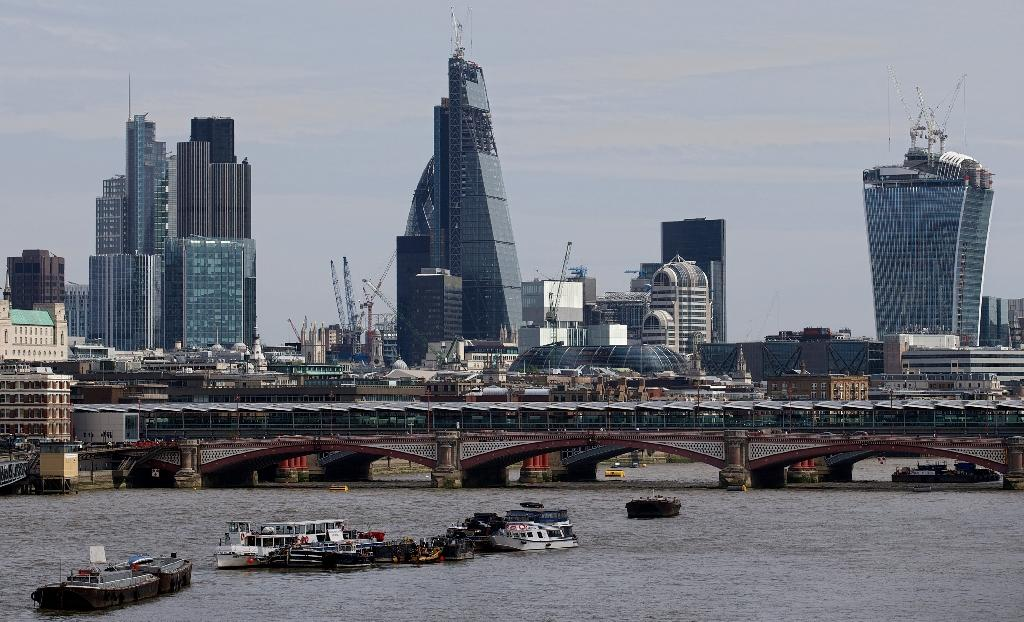 British growth slows sharply on eve of election