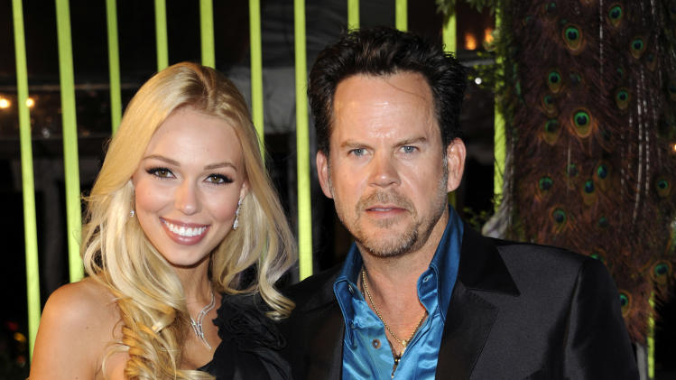 Who is gary allan dating now 10