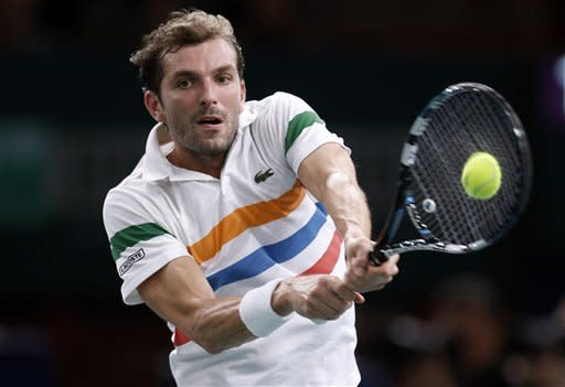 Tsonga edges past Benneteau at Paris Masters