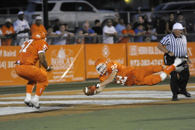 Dalton Hamilton (22) and the Celina Bobcats will hope to win in a new state against Perrydale — BeRecruited