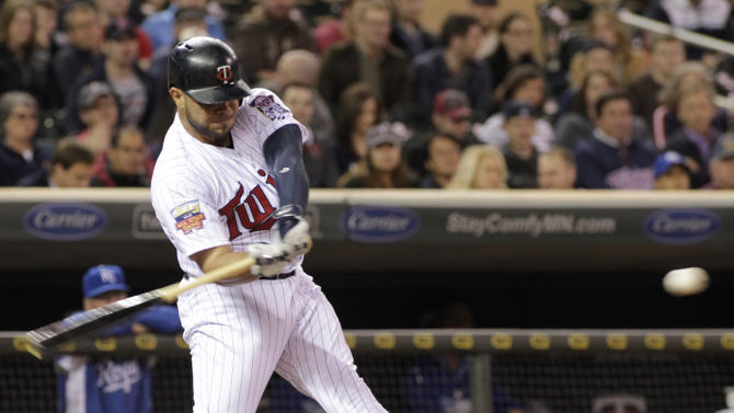 Gibson, Colabello lead Twins past Royals 10-1