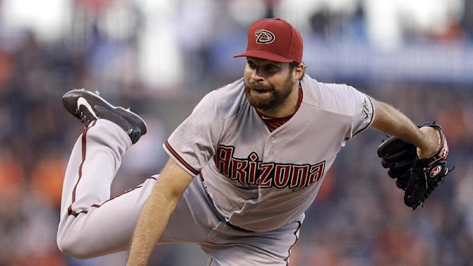 Collmenter shuts down Giants, gets 3 hits in D-backs win