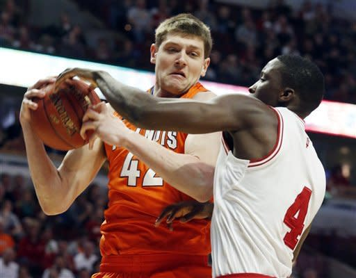 Zeller scores 24, leads Indiana past Illini 80-64