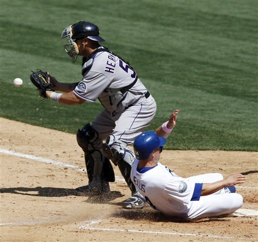 Abreu, A.J. Ellis lead Dodgers over Rockies 11-5