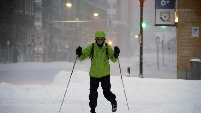 Huge storm blankets Northeast with 2 feet of snow