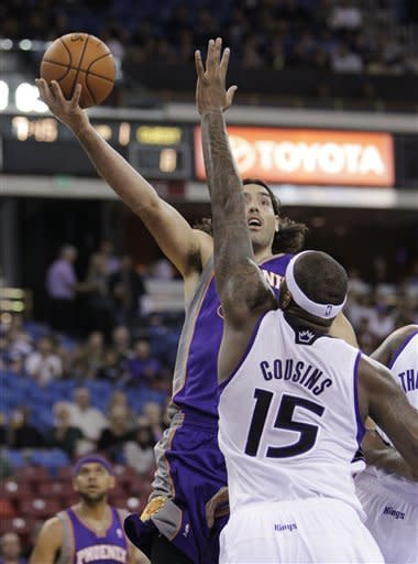 Kings beat Suns 102-97