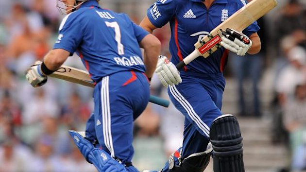 Ian Bell, left and Alastair Cook, right, reached 74 without loss after 15 overs in the first ODI