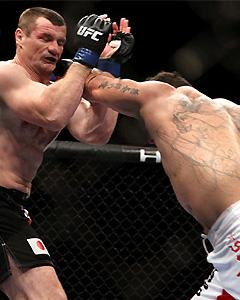 Mir knocks out 'Cro Cop' in UFC 119 main event