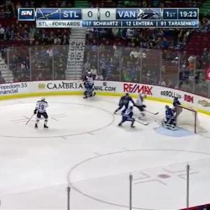 Eddie Lack Save on T.J. Oshie (00:39/1st)