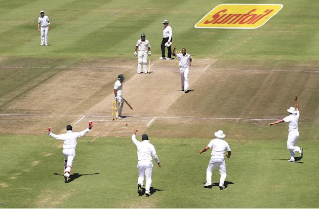 South Africa v Pakistan - Second Test - Day Four