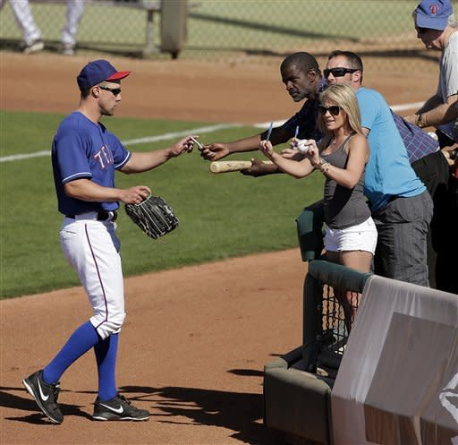 Berkman homers for Rangers in 3-2 win over Cubs