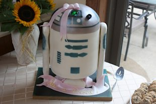 It's a Droid Cake