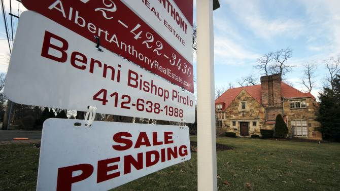 US rate on 30-year mortgage slips to 3.54 pct.
