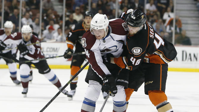 Avalanche slim playoff hopes alive with 4-2 win over Ducks
