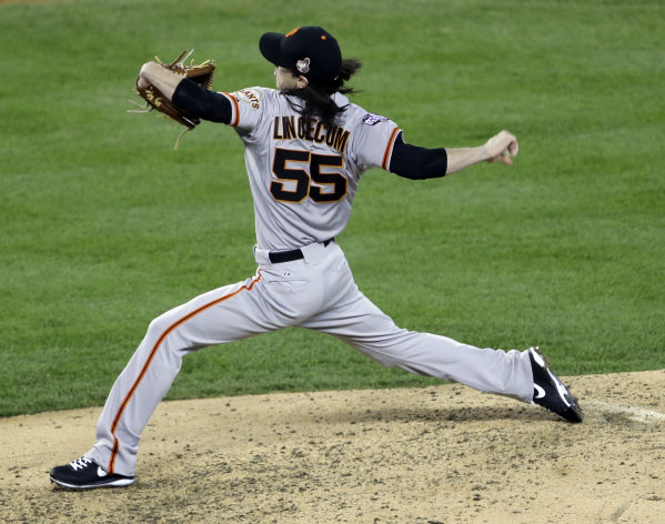 San Francisco Giants relief pitcher Tim Lincecum throws during the sixth inning of Game 3 of baseball&#39;s World Series against the Detroit Tigers Saturday, Oct. 27, 2012, in Detroit. (AP Photo/Paul Sancya )