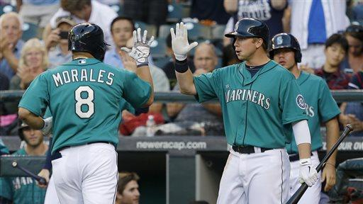 Mariners beat Indians 2-1 for 7th straight win