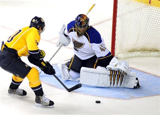 Blues beat Predators in shootout, 3-2