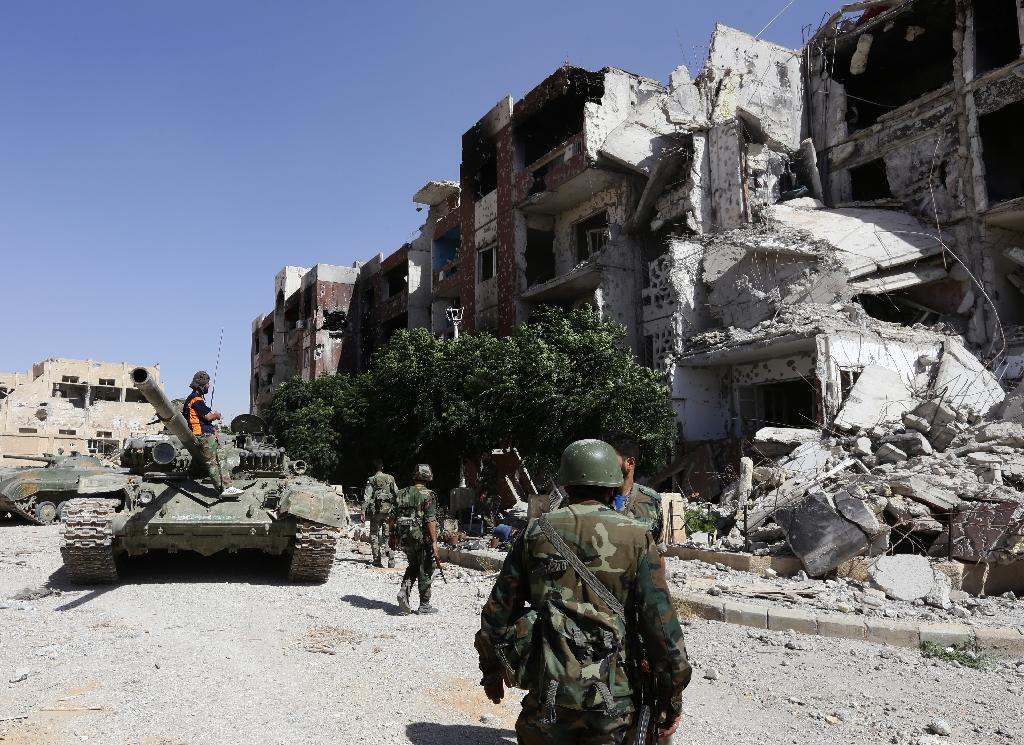 Syria army 'tightens siege of rebel bastion near Damascus'