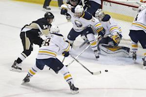Fleury, Kunitz lead Penguins to 5-0 rout of Sabres