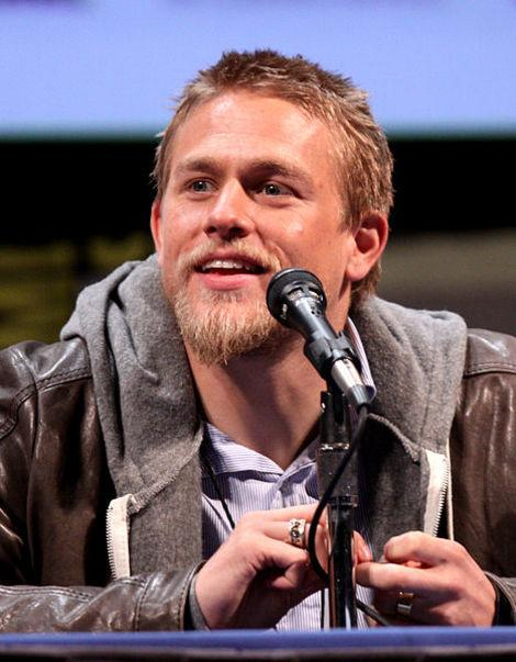 6 Stars Who Could Replace Charlie Hunnam in 'Fifty Shades of Grey'