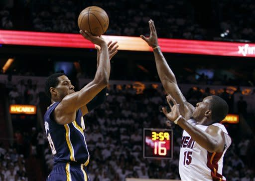 James and Wade lead Heat past Pacers, 115-83