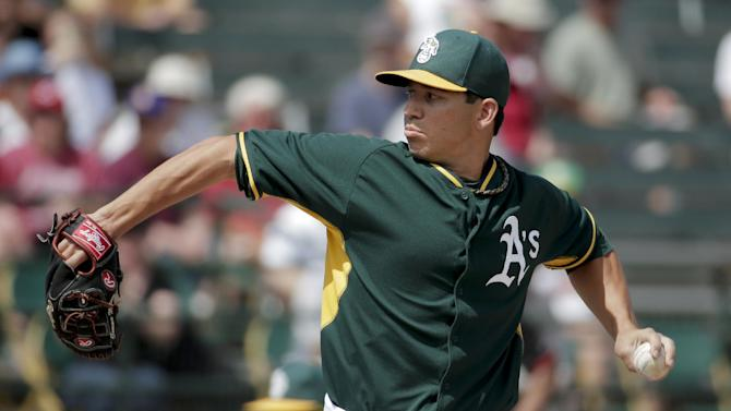 Moss, Reddick hit home runs in A's win over Reds