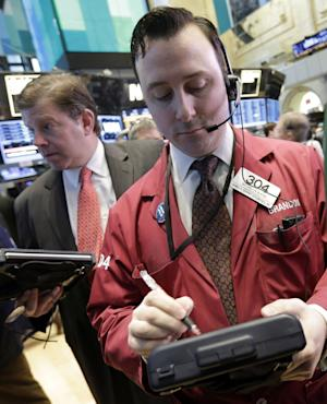 Stocks little changed as earnings fail to inspire