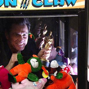 Jim Carrey Gets Stuck in a Claw Machine - David Letterman