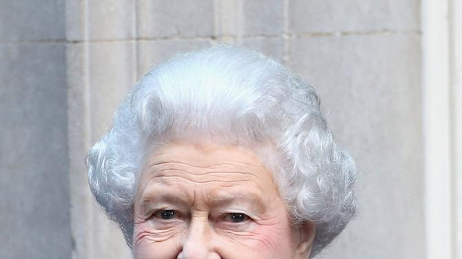 Queen Elizabeth II Attends the Government's Weekly Cabinet Meeting