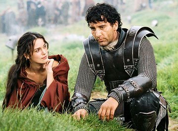 Keira Knightley as Guinevere and Clive Owen as Arthur in Touchstone Pictures' King Arthur