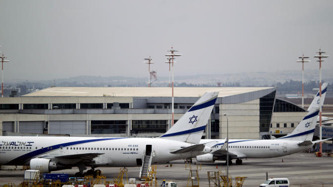 Israeli airlines end strike over EU deal