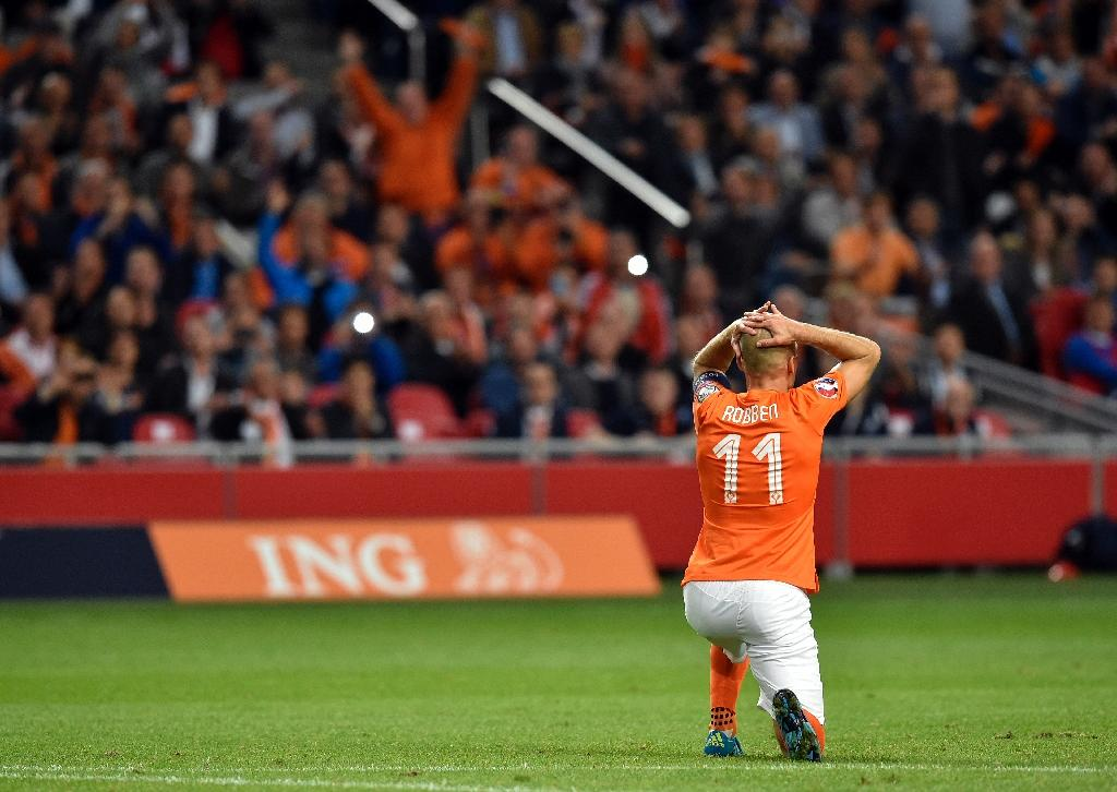 Robben sidelined for a month