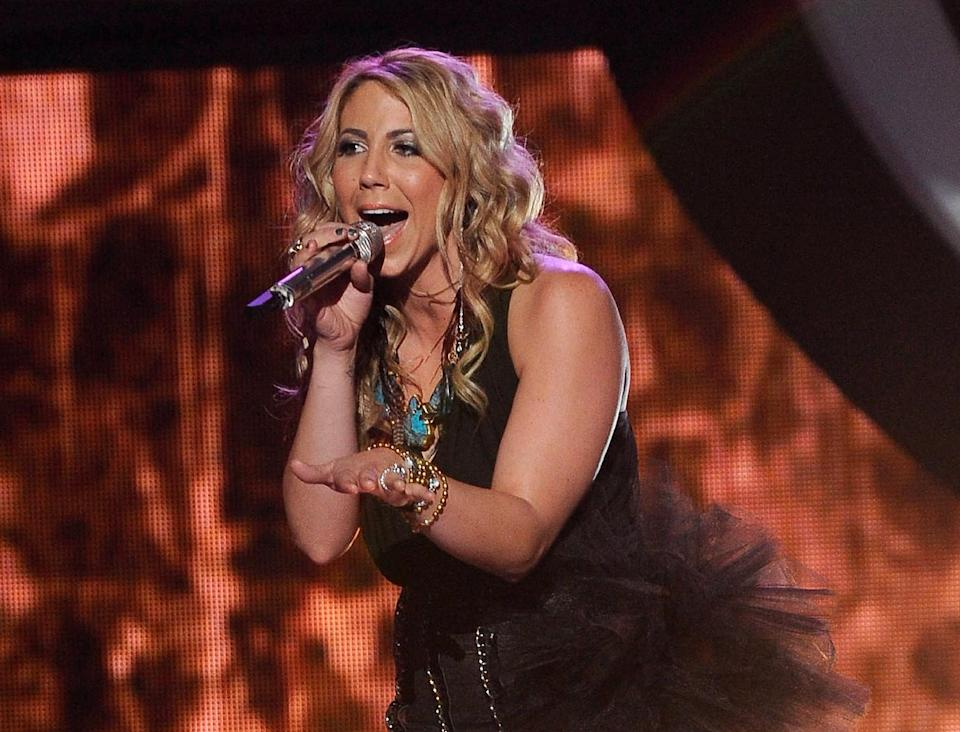 "FILE - In this April 11, 2012 file photo released by Fox, Elise Testone performs on the singing competition series ""American Idol,"" in Los Angeles. Testone on Thursday, April 19, 2012 was among the bottom three contestants on the Fox talent competition. (AP Photo/Fox, Michael Becker)"