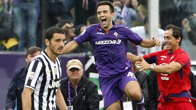 Fiorentina's Giuseppe Rossi (C) celebrates after scoring against Juventus during their Italian Serie A soccer match at the Artemio Franchi stadium in Florence October 20, 2013 (Reuters)